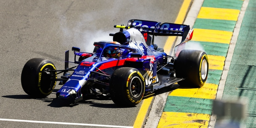 Albon accident Australia F1 2019