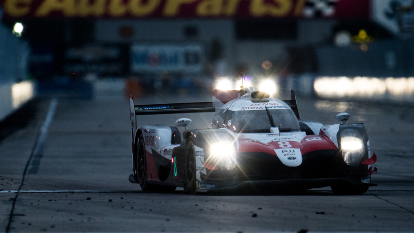 Night in the circuit of Sebring
